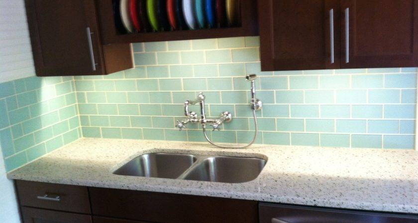 Advantages Using Glass Tile Backsplash Midcityeast