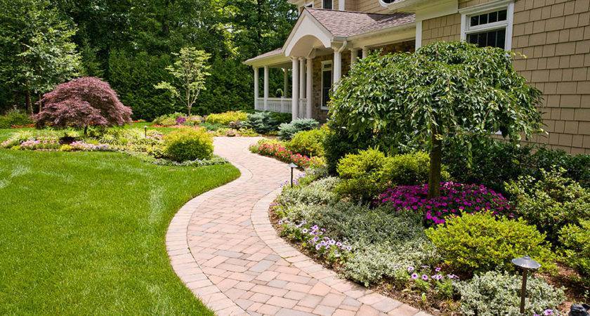 American Style Simple Front Yard Landscape Design