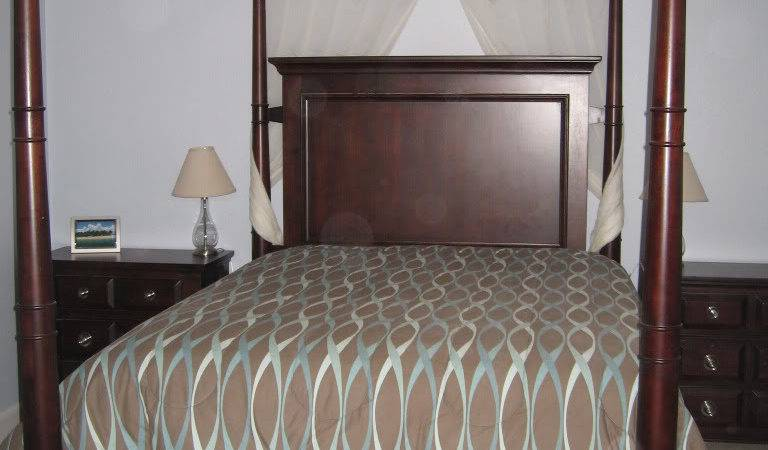 Antique Furniture Canopy Bed Queen