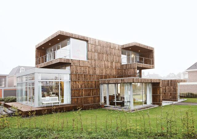 Architects Salvaged House Building Materials Using