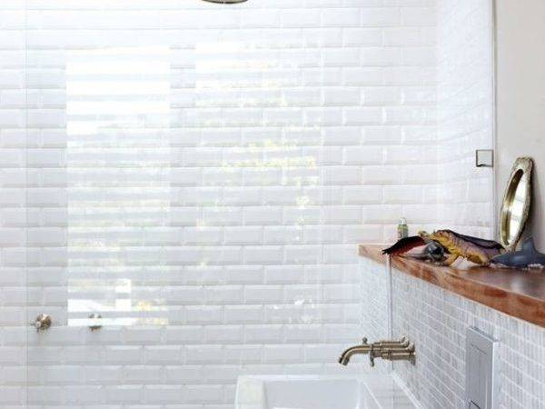 Bathroom Tile White Grasscloth
