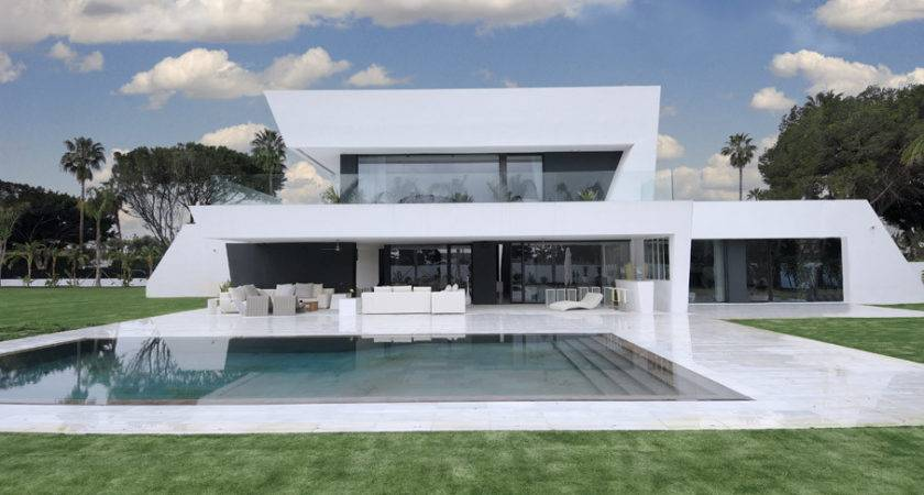 Beautiful All White House Pool