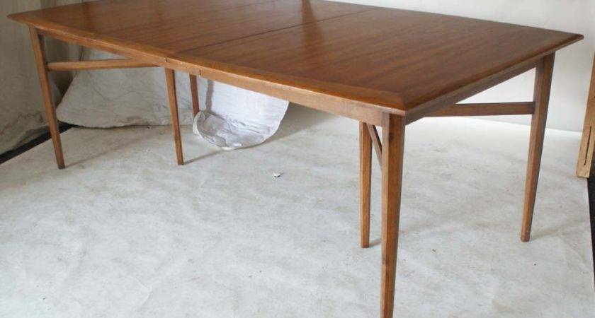Beautiful Walnut Dining Table Details Delmaegypt