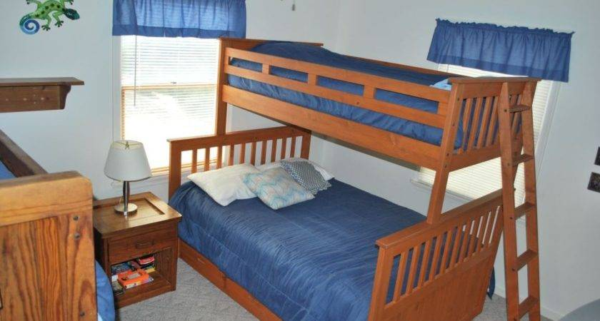 Bedroom Bunk Beds One Has Double Bed Home Building Plans