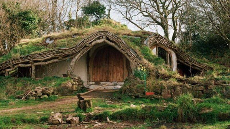 Bloombety Nature Hobbit House Architecture