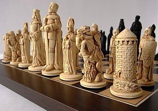 Camelot Plain Theme Chess Set Small