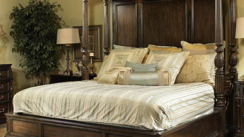 Chateau Marmont Pecan Brown Queen Canopy Bed