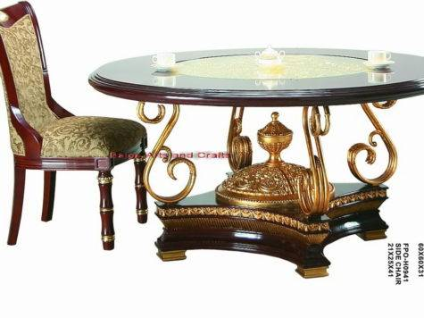 China Latest Classic Wooden Dining Table Photos