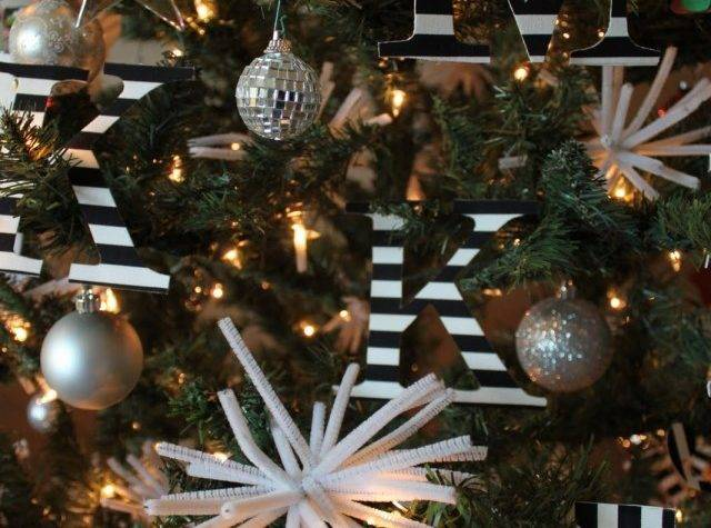Christmas Decor Black White Its Overflowing