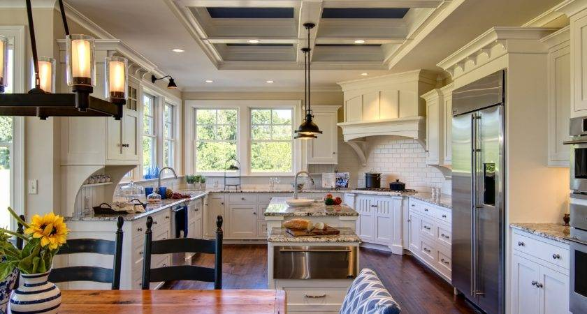Colonial Style Kitchen Design