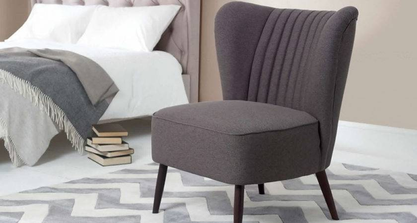 Comfortable Chair Bedroom Makeover Ideas