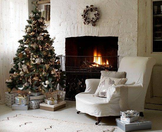 Cool Linen Living Room Christmas Tree Country