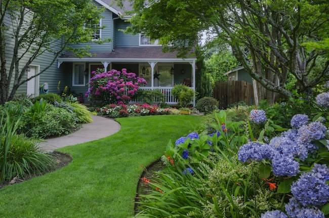 Creative Large Front Yard Landscaping Ideas