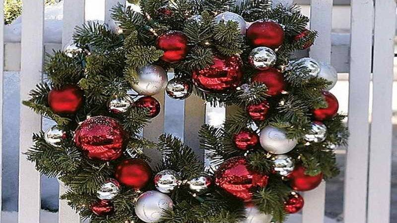 Decorate Christmas Wreath Decorations