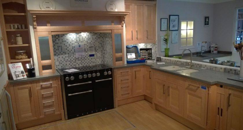Display Kitchens Leicester Dewhirst