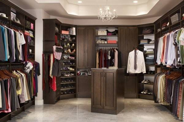Does Walk Closet Look Like Home Design