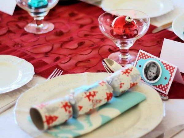 Festive Beautiful Christmas Tablescapes Ideas
