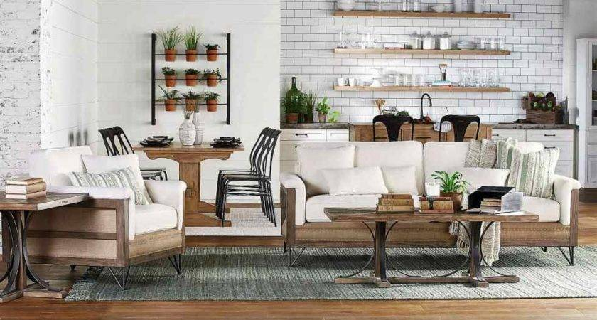 Fixer Upper Star Brings Magnolia Home Cor Midwest