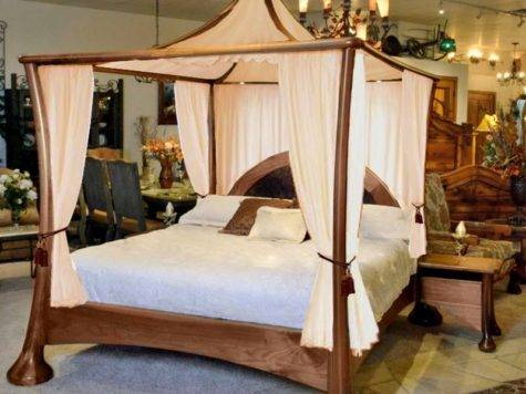 Four Poster Bed Canopy Romantic Bedroom