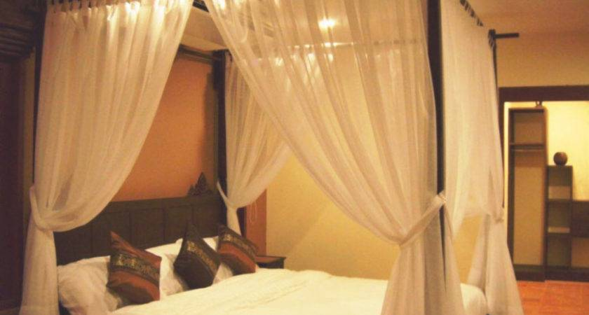 Four Poster Canopy Bed Yoosso