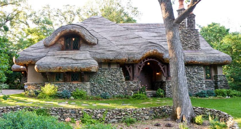 Hobbit House Friend Calls