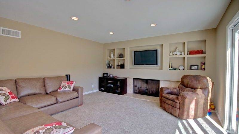 Home Staging Tips Make Small Room Look Bigger