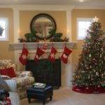 Hooked Holiday House Tours Show Decorate
