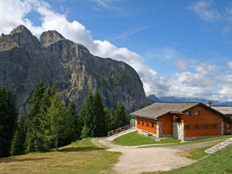 House Mountains Resort Alleghe Italy