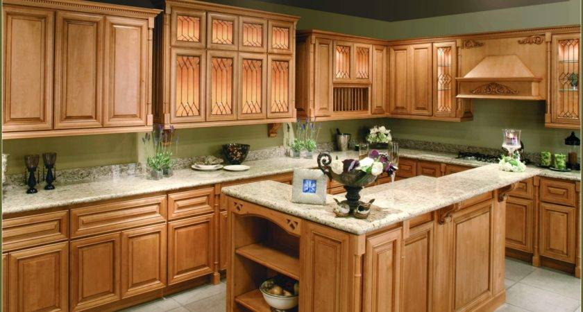 Kitchen Paint Color Ideas Maple Cabinets