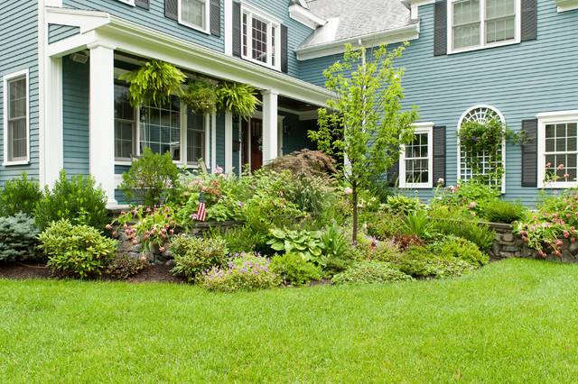 Large Planted Bed Front Yard Garden Design