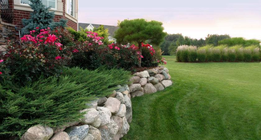 Lawns Reder Landscaping Servicing Midland Bay City