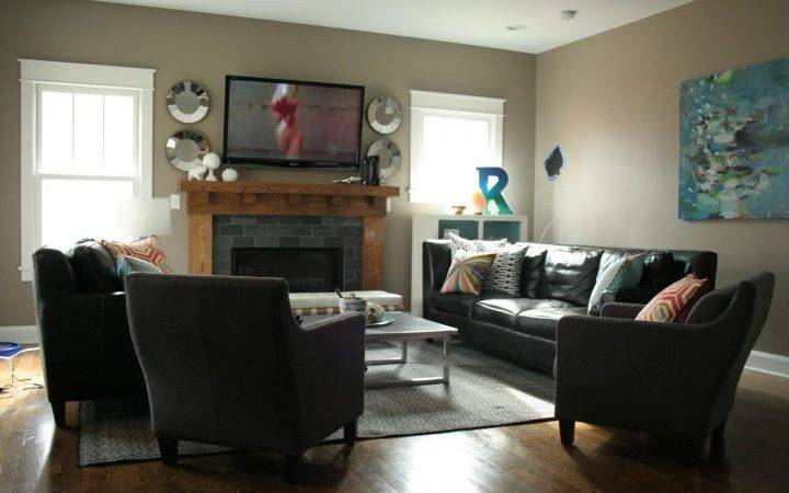 Living Room Focal Points Look Stylish