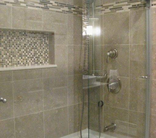 Love Tub Tile Accents Doors Would Work
