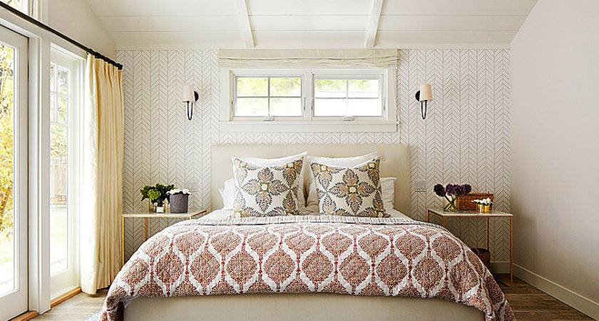 Make Pretty Bed Traditional Home