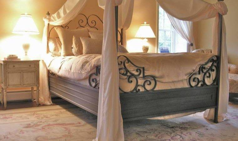 Make Your Life Colorful Romantic Bedroom Design
