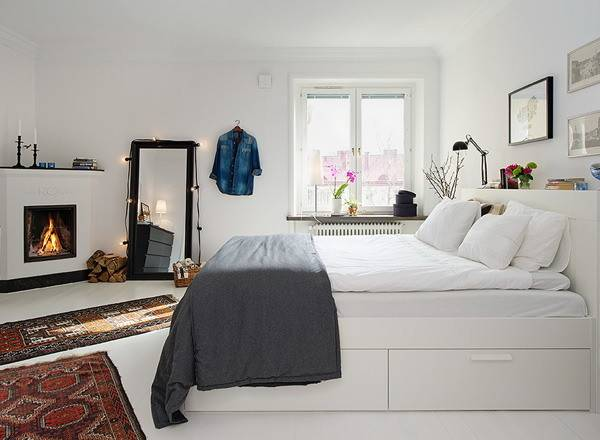 Maximize Space Small Bedroom Home Decor Trends