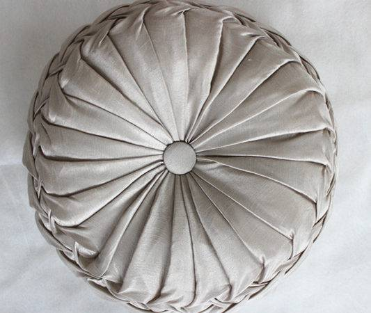 New Arrival Handmade Round Decorative Cushions Pillows