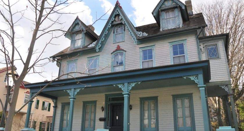 Queen Anne Gothic Revival Guide