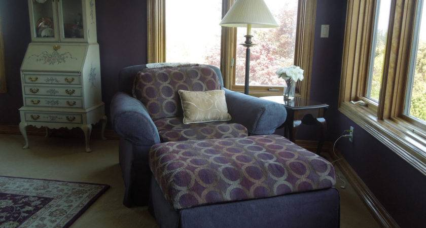 Residential Bedroom Seating Inside Style