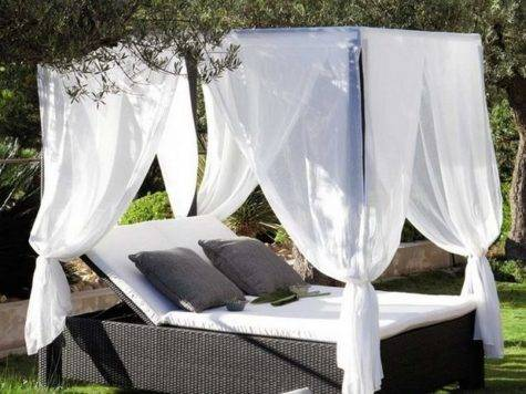 Romantic Canopy Bed Outdoors Home Design Inside