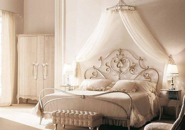 Romantic Canopy Bed Traditional Bedroom