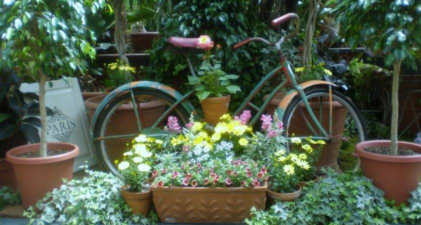 Rusty Relic Garden Decorating Ideas