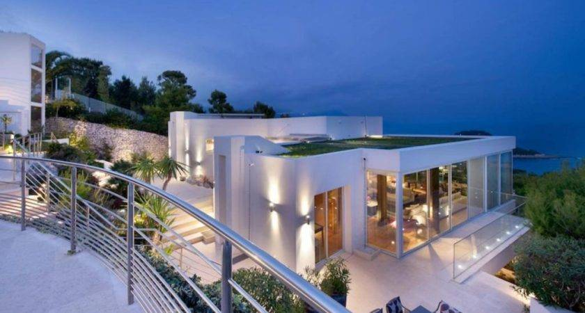 Selecting Villas French Riviera Modern