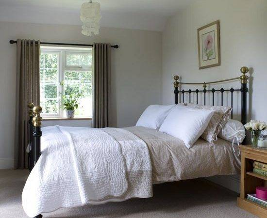 Simple Small Master Bedroom Colour Ideas