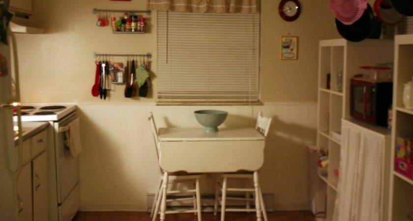 Small Apartment Kitchen Table