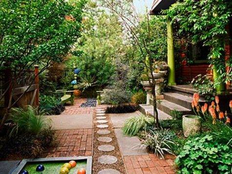 Small Backyard Designs Efficiently Using Spaces