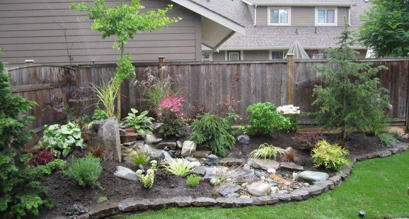 Small Backyard Landscaping Concept Add Cute Detail