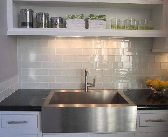Subway Tile Kitchen Design Ideas