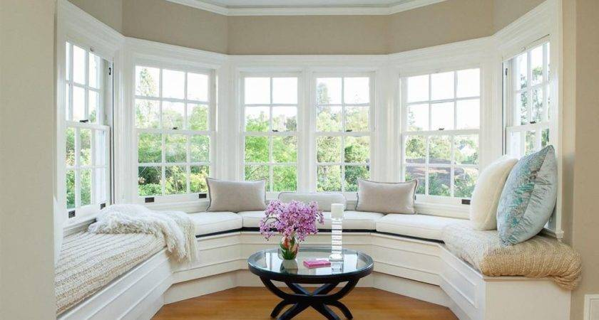 Traditional Living Room Window Seat Crown Molding