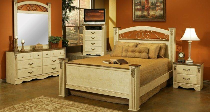 Traditional Style Bedrooms Venetian Dinner Tables